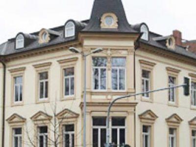 Kanzlei in Bauten